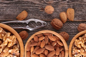 Health Benefits of Walnuts and Almonds