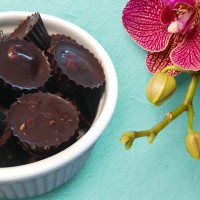RAW Chocolate Nut Cups