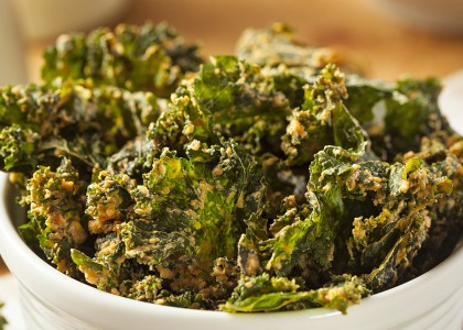 Roasted Pepper Cheesy Kale Chips